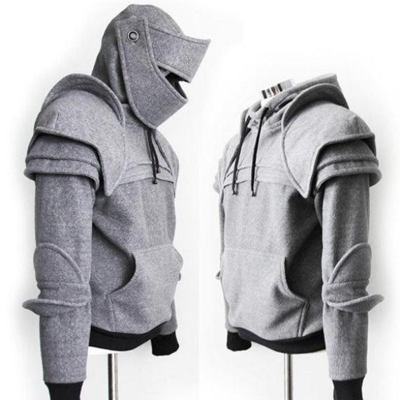 Le pull à capuche chevalier