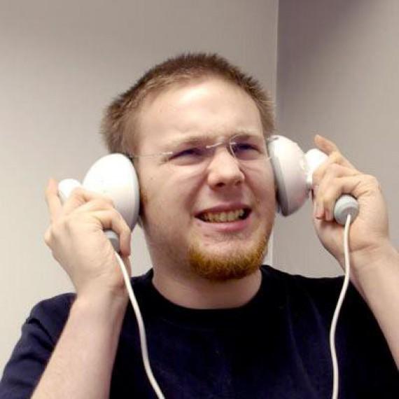 Enceintes écouteurs géants