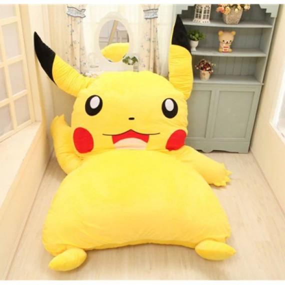 Lit Pikachu géant