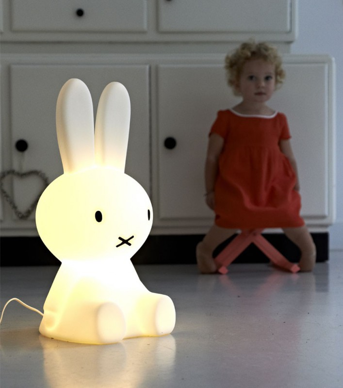 lampe veilleuse lapin miffy. Black Bedroom Furniture Sets. Home Design Ideas