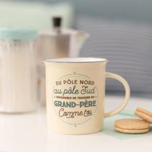 """Mug """"Du pôle nord au pôle sud, impossible de trouver un grand-père comme toi"""""""