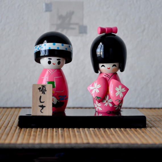 Poup es japonaises kokeshi tendresse commentseruiner for Decoration chambre kokeshi
