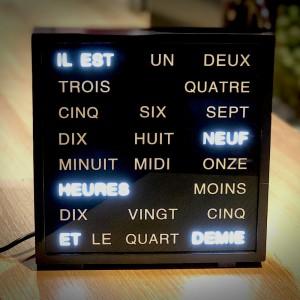 Horloge à mots - facile à lire