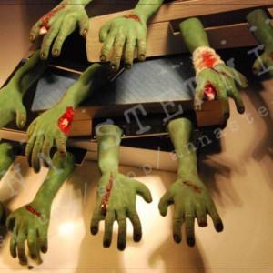 Marque-pages bras de zombie