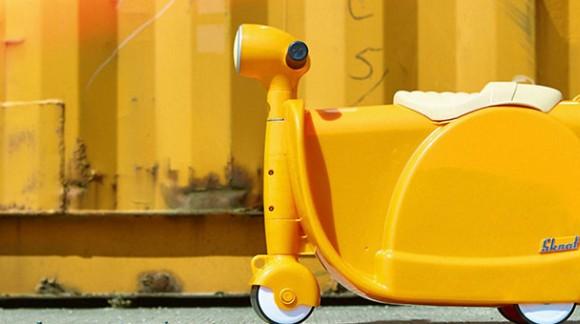 Skoot : la seule valise que votre enfant voudra bien pousser !